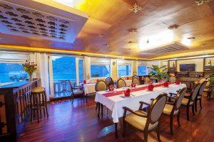 white-dolphin-cruise-restaurant